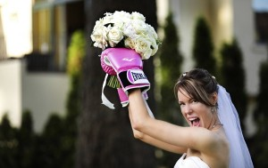 bride-wearing-boxing-gloves