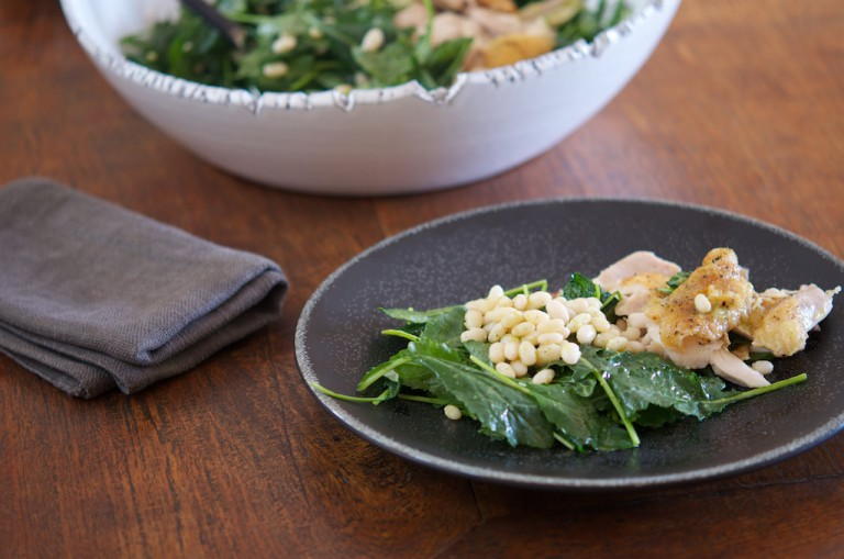 Baby-Kale-Navy-beans-and-Roasted-Chicken-Salad-with-Garlic-Herb-Dressing