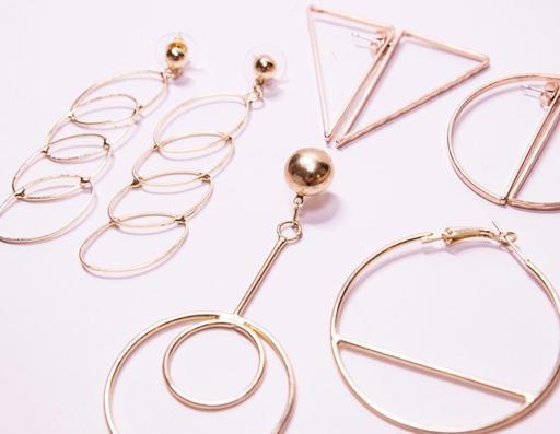 Earrings_512x397.jpg