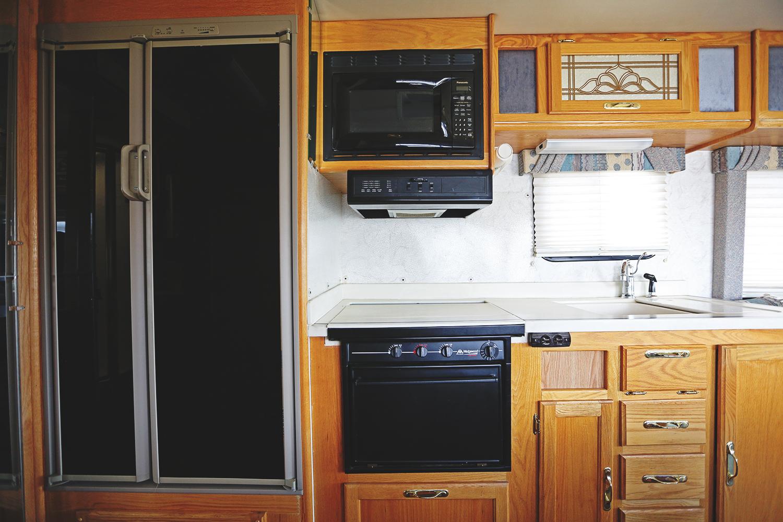 Serenica Landship: Kitchen