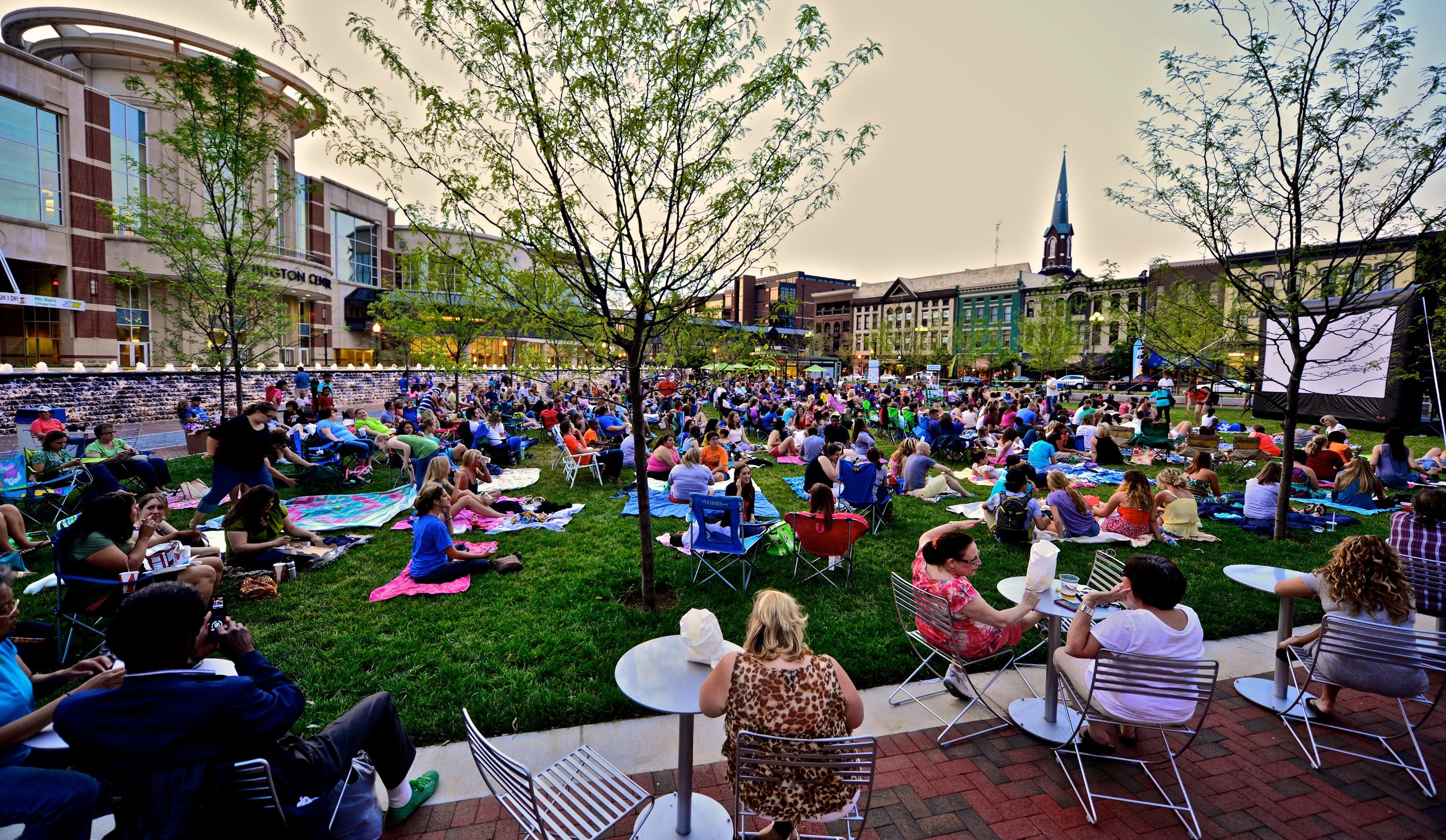 Triangle Park - Downtown Lexington. Courtesy: Triangle Park Foundation
