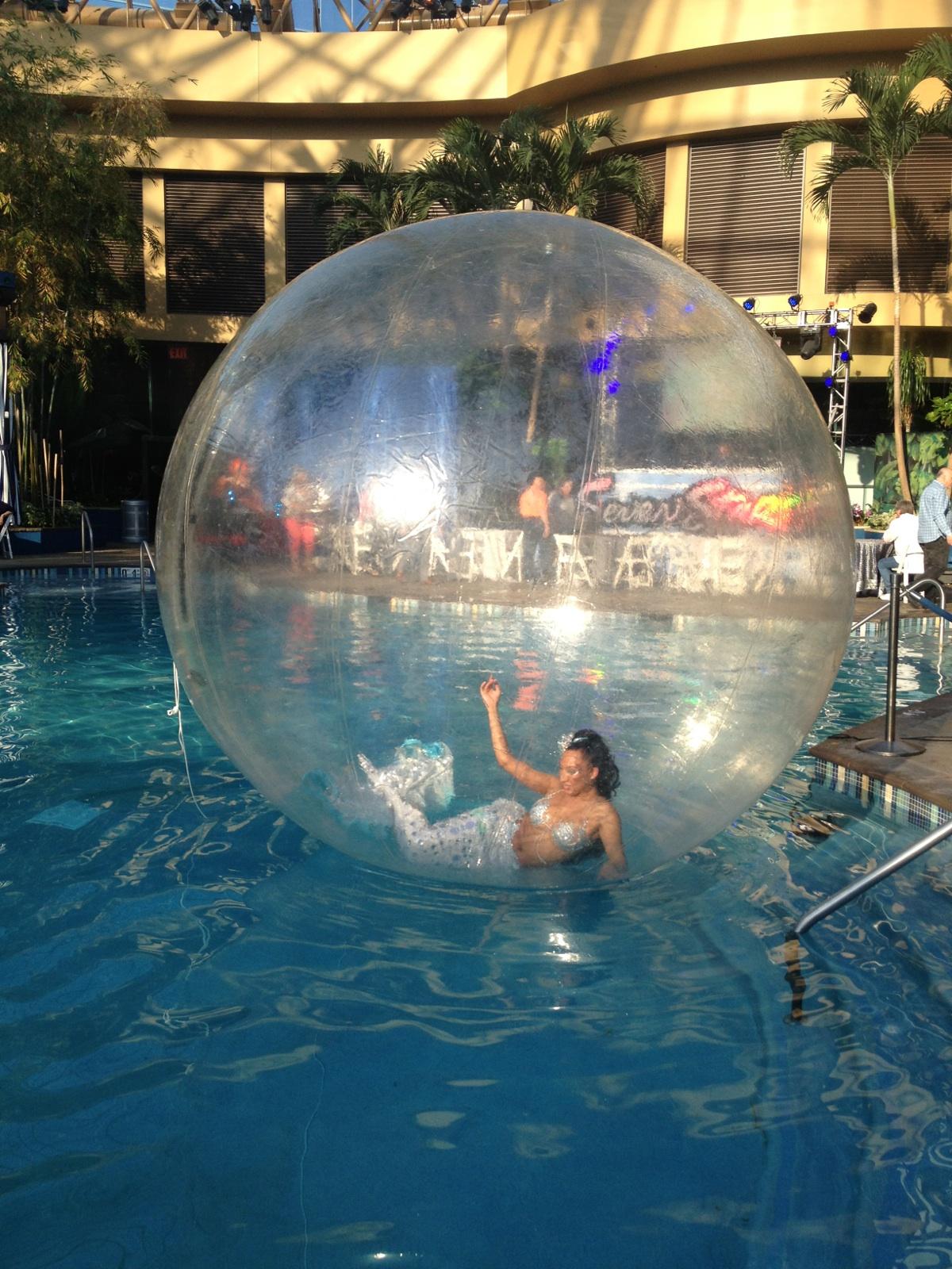 Harrahs.Pool.Jen.MermaidBubble.4.26.14..jpg