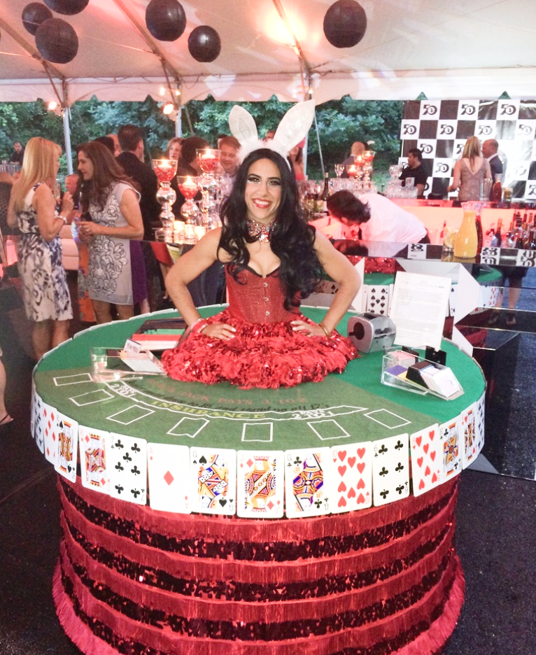 casino strolling table 2.png