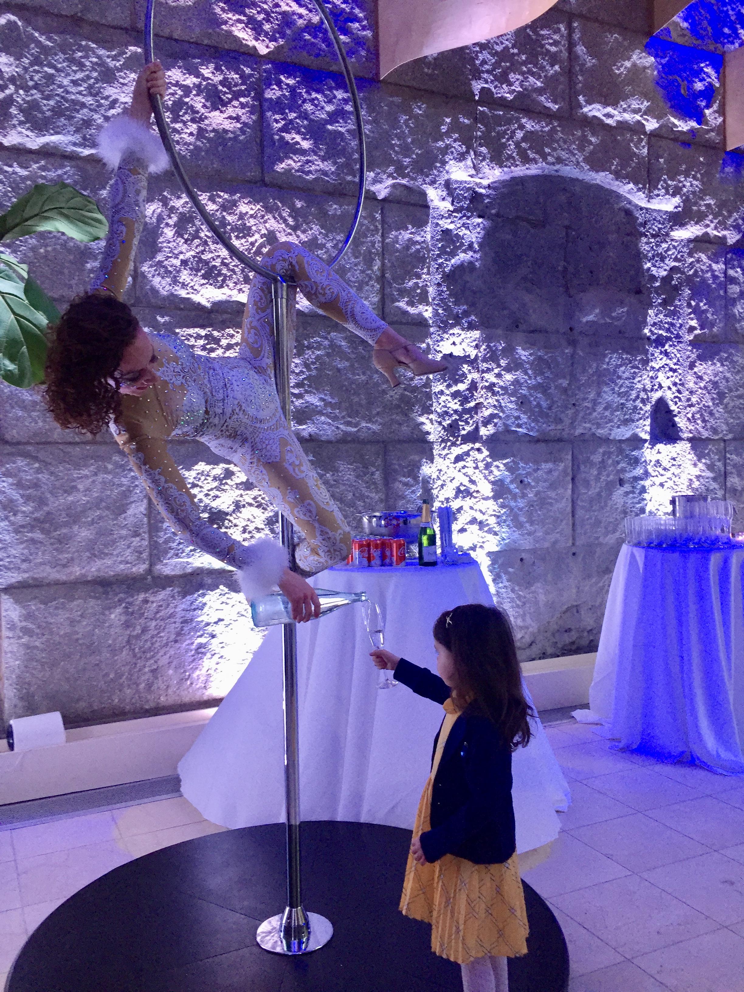 Cirque Central Winter Wonderland Aerial Beverage Service Kids