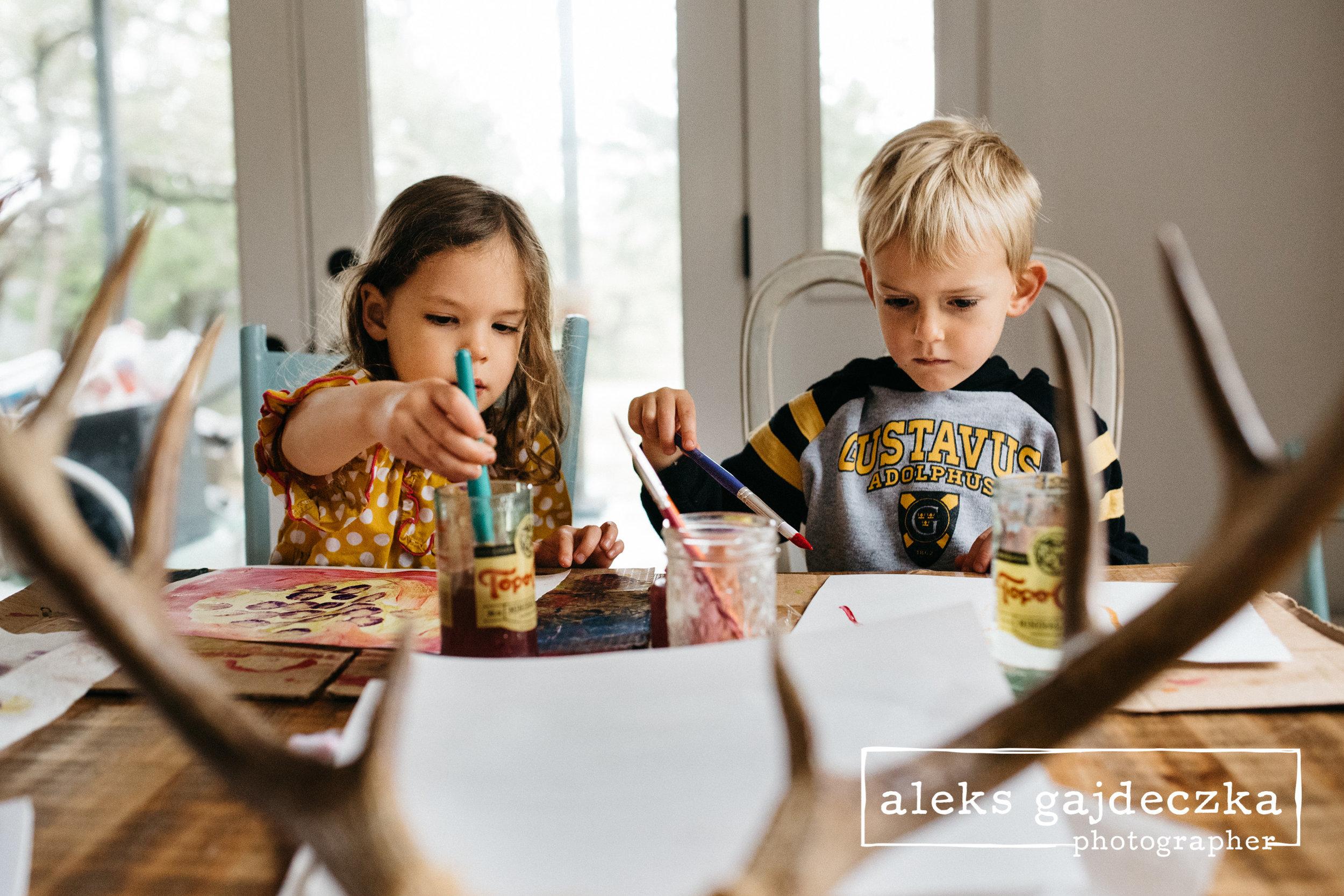 painting preschoolers