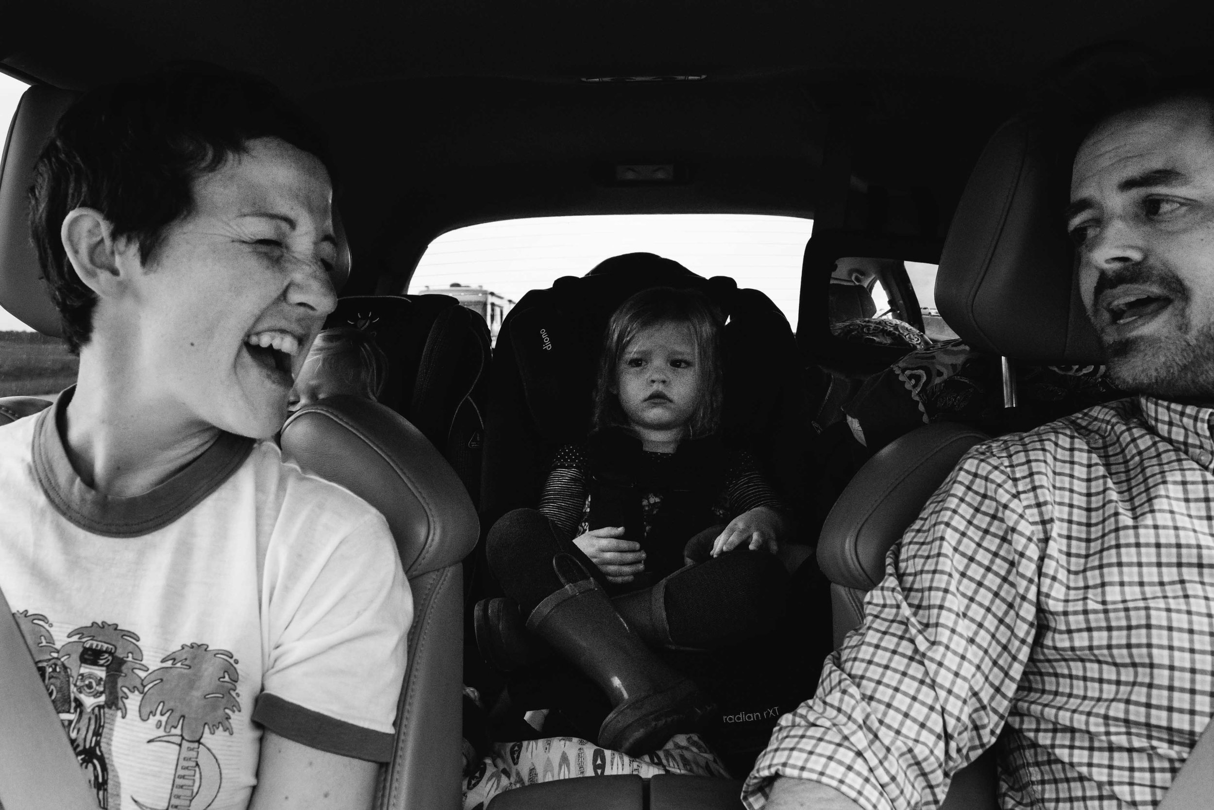 roadtrip-singing-austin-family-photojournalist-photographer.jpg