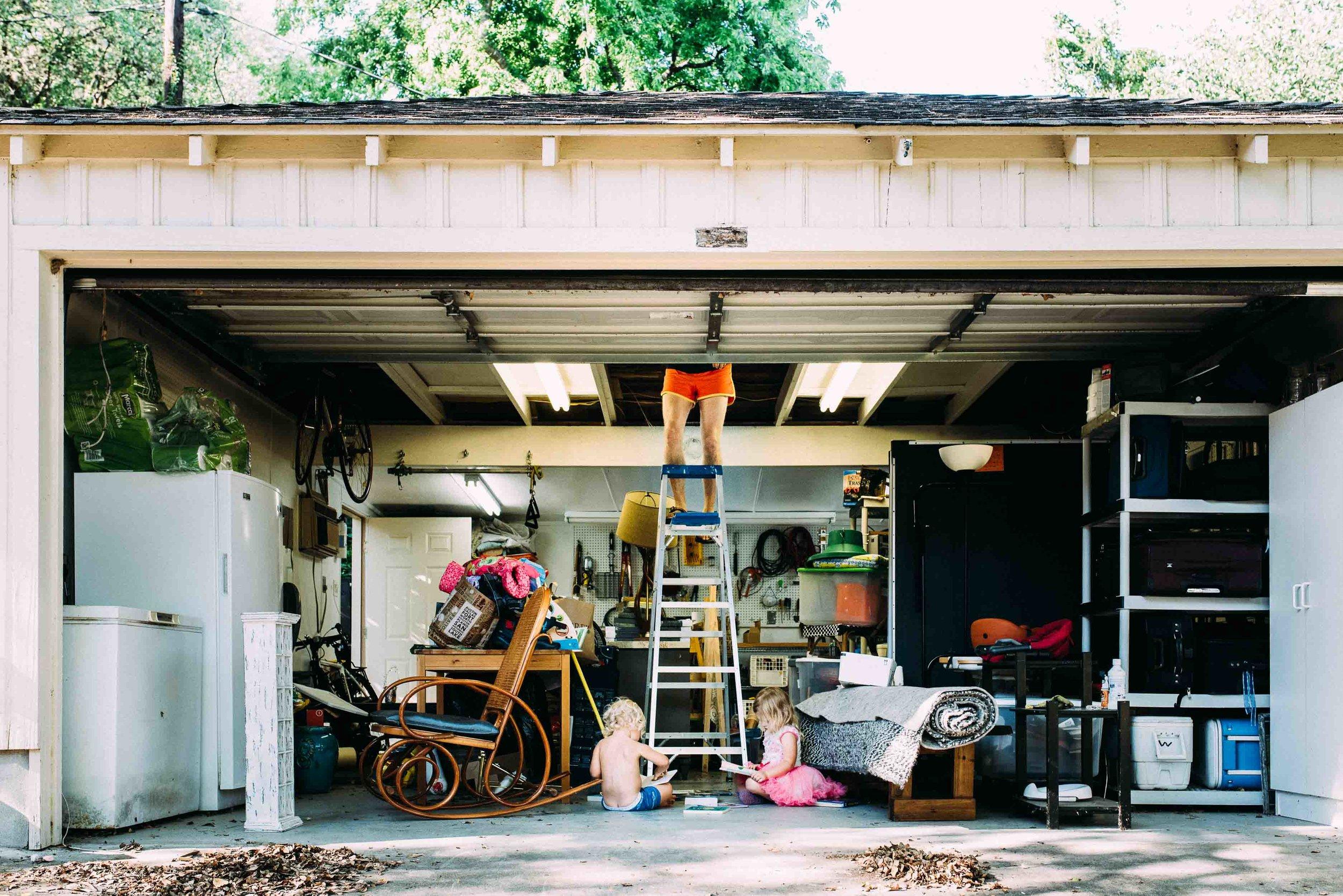 dad-garage-austin-family-photojournalist-photographer.jpg