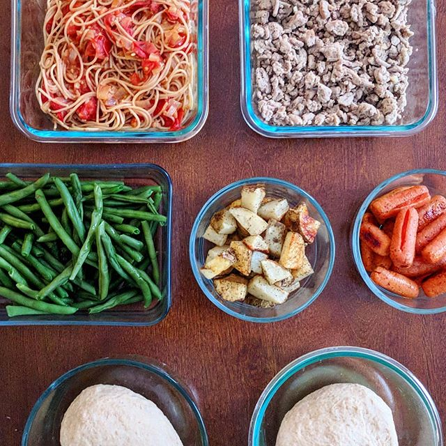 "Today's #mealprep brought to you in my stories! I often get asked if this is ""all"" I eat in a week. Simply put, no. . That said, you shouldn't judge meal prep photos by the quantity. Everyone has different nutrient needs so what I need in a week will be very different from what you need. . Instead, look at the approach and see if it might work for you! I like to prep individual ingredients that will have multiple uses. Some meals might be fully prepped, some partially prepped and sometimes I want something completely separate from my meal prep foods (🙌 intuitive eating). Head over to my stories to see my plans for these foods."