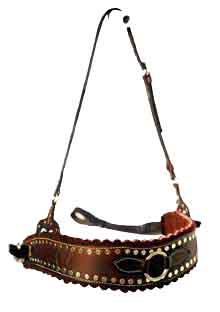 The MOUNTAIN BREASTPLATE goes around the chest, and hangs from the neck, as seen in THE MAN FROM SNOWY RIVER. It also comes in plain brown or black