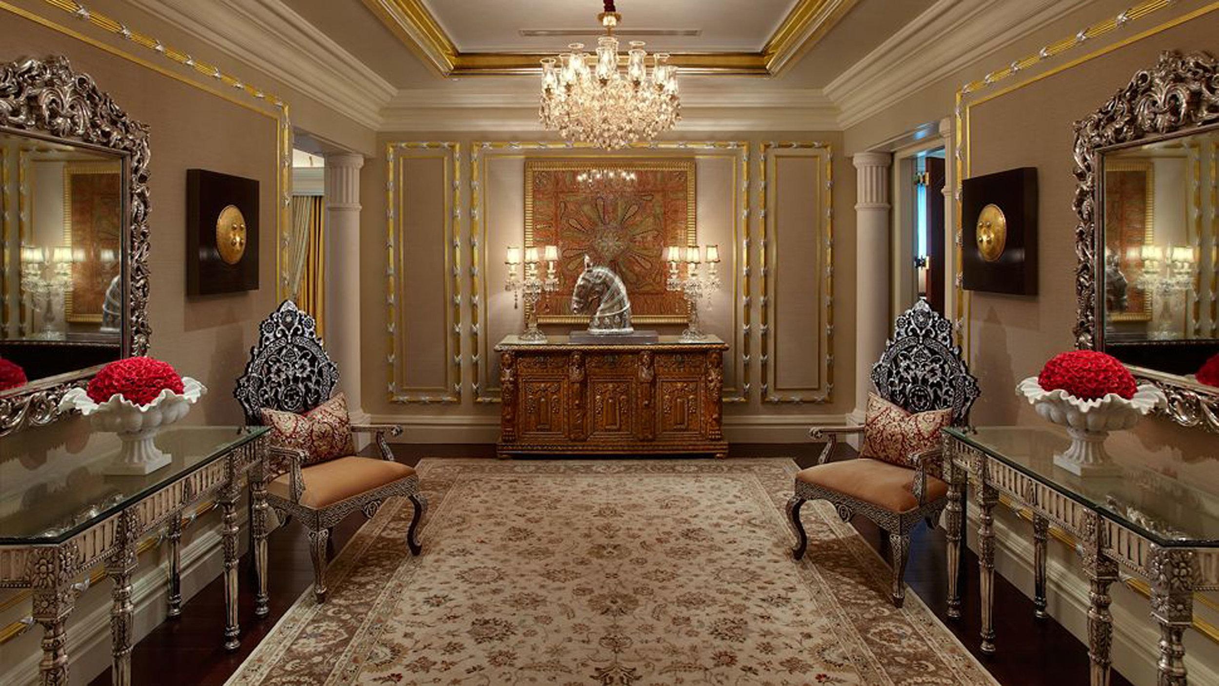 008716-11-maharaja_suite_entrance.jpg