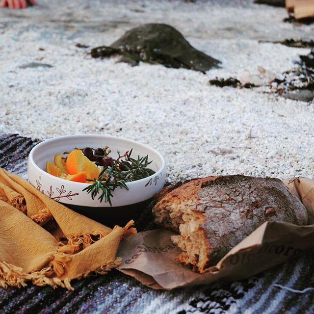 Take me back to burial island. ⠀⠀⠀⠀⠀⠀⠀⠀⠀ ⠀⠀⠀⠀⠀⠀⠀⠀⠀ ⠀⠀⠀⠀⠀⠀⠀⠀⠀ ⠀⠀⠀⠀⠀⠀⠀⠀⠀ #bc #gulfislands #bonfireswithbabes #justlivingourbestlife #slowrisebakery #linnaea #claylove ⠀⠀⠀⠀⠀⠀⠀⠀⠀ ⠀⠀⠀⠀⠀⠀⠀⠀⠀ Photo cred @s_artuso