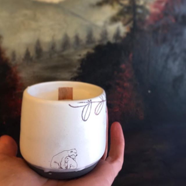 I'm headed to vancouver for a work/play vacation for he night. I'll be dropping off a huge order of theses candles to the vancouver shop while I'm there.  Mama polar bear and her cubs, eco soy wax with non toxic cedar and neroli scent. Vegan. Reusable cup, cedar wick  Photo by @smokinglily  #cedarwick #candlemaking #potterylove #vancouverbc #soycandles #restock #bccraft
