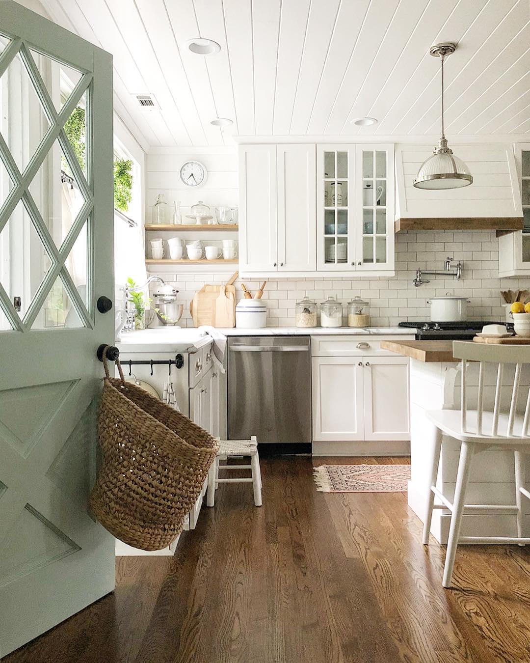 Design: Blue Barn and Cottage.  Link .