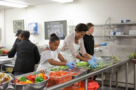 Chef Alli making salad with Michelle Obama.
