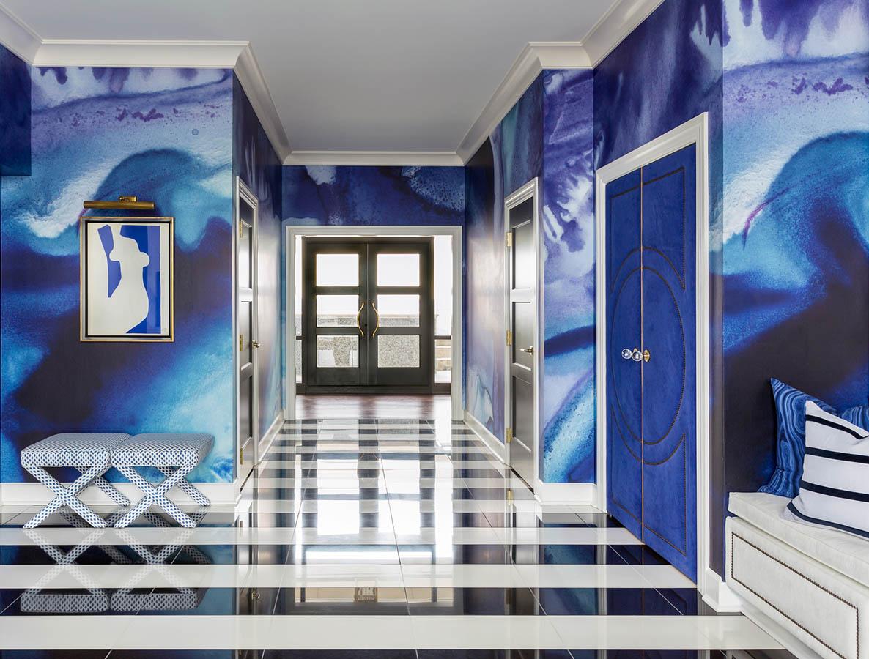 LITTLE ROCK BLUES Designer: Tobi Fairley Interior Design Photo: Nancy Nolan Photography