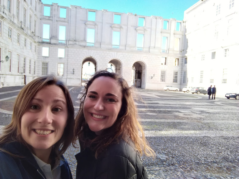 The moment me and Rita first met at the Palace of Ajuda! You can see it is unfinished with the half-built wall in the back.