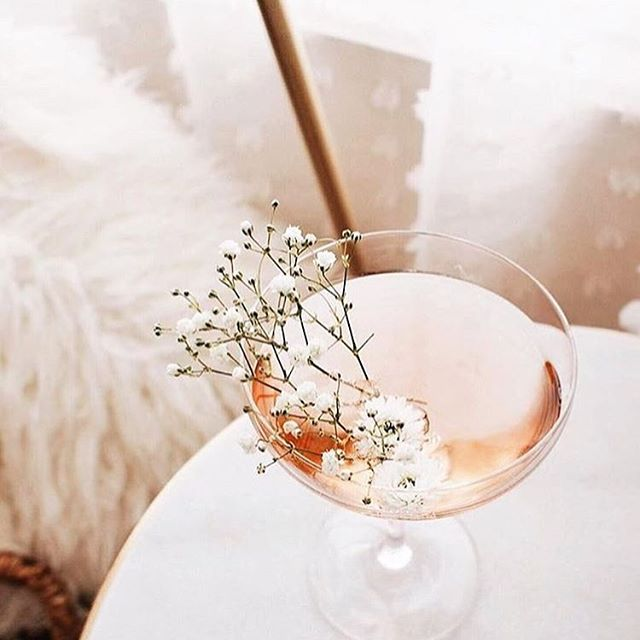 Is it the weekend yet? 🤦🏽♀️#roseallday #weekendvibes repost @withlovelaurenelle