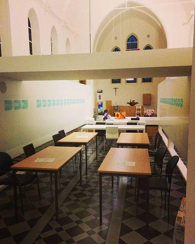Onze 1ste gezamenlijke studeerzaal is officieel geopend! Welkom op Study Craziness! 🎓📖📚📒 #studerenstuderenstuderen #stilzijn #shhhhht