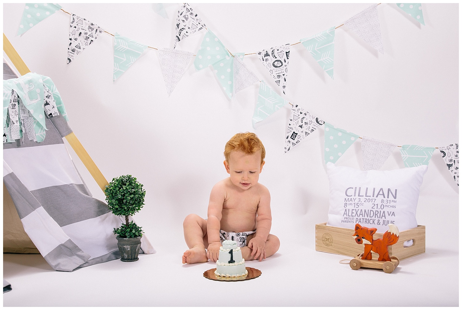 emily-belson-photography-one-year-cillian-10.jpg