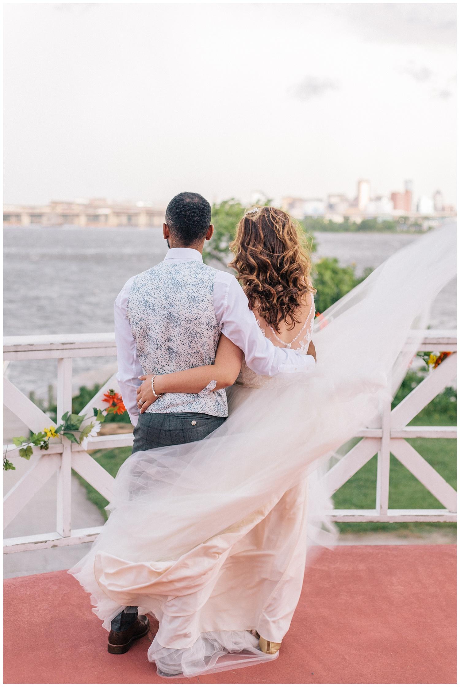 emily-belson-photography-baltimore-rowing-club-wedding-034.jpg