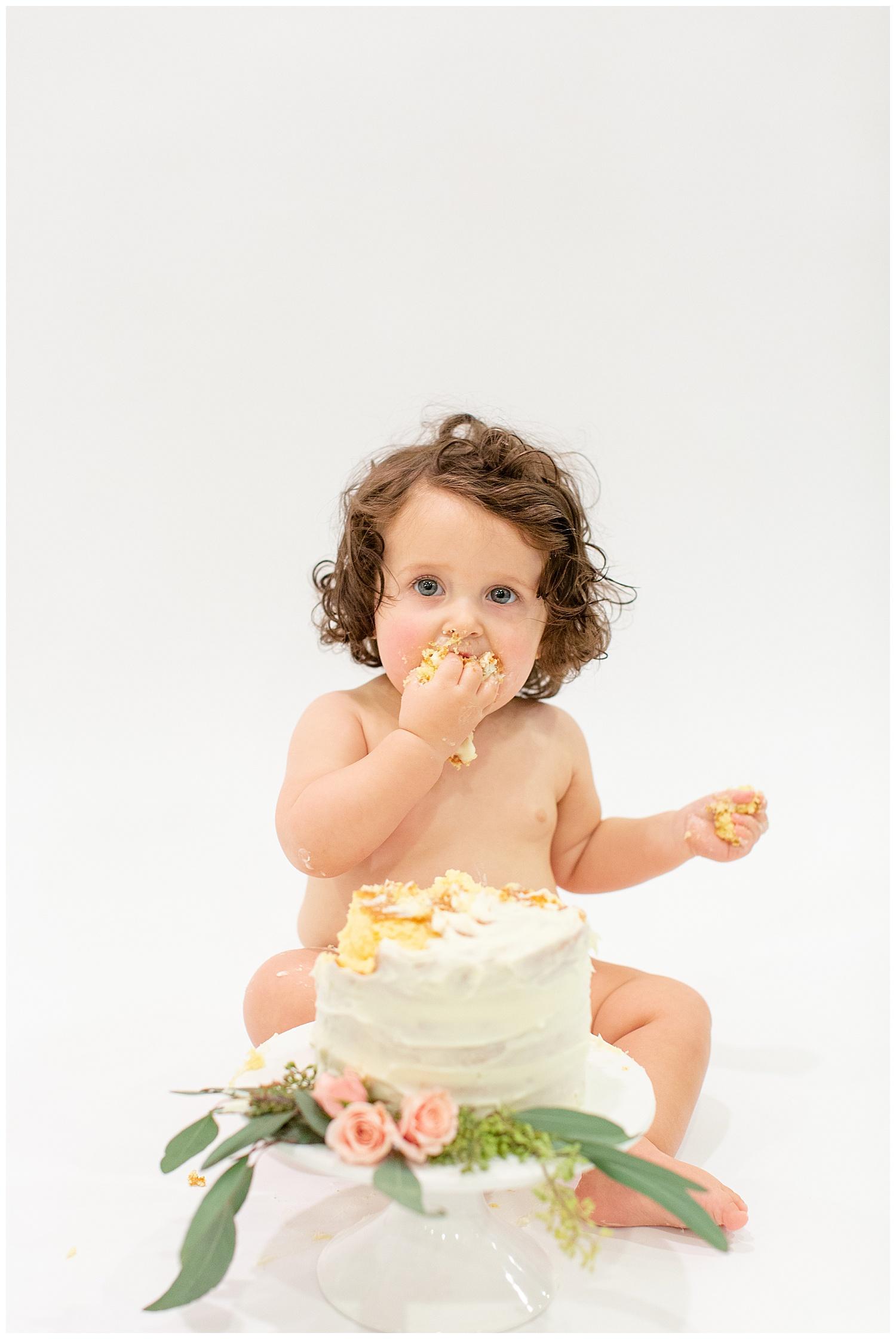emily-belson-photography-washington-dc-baby-cake-smash-14.jpg