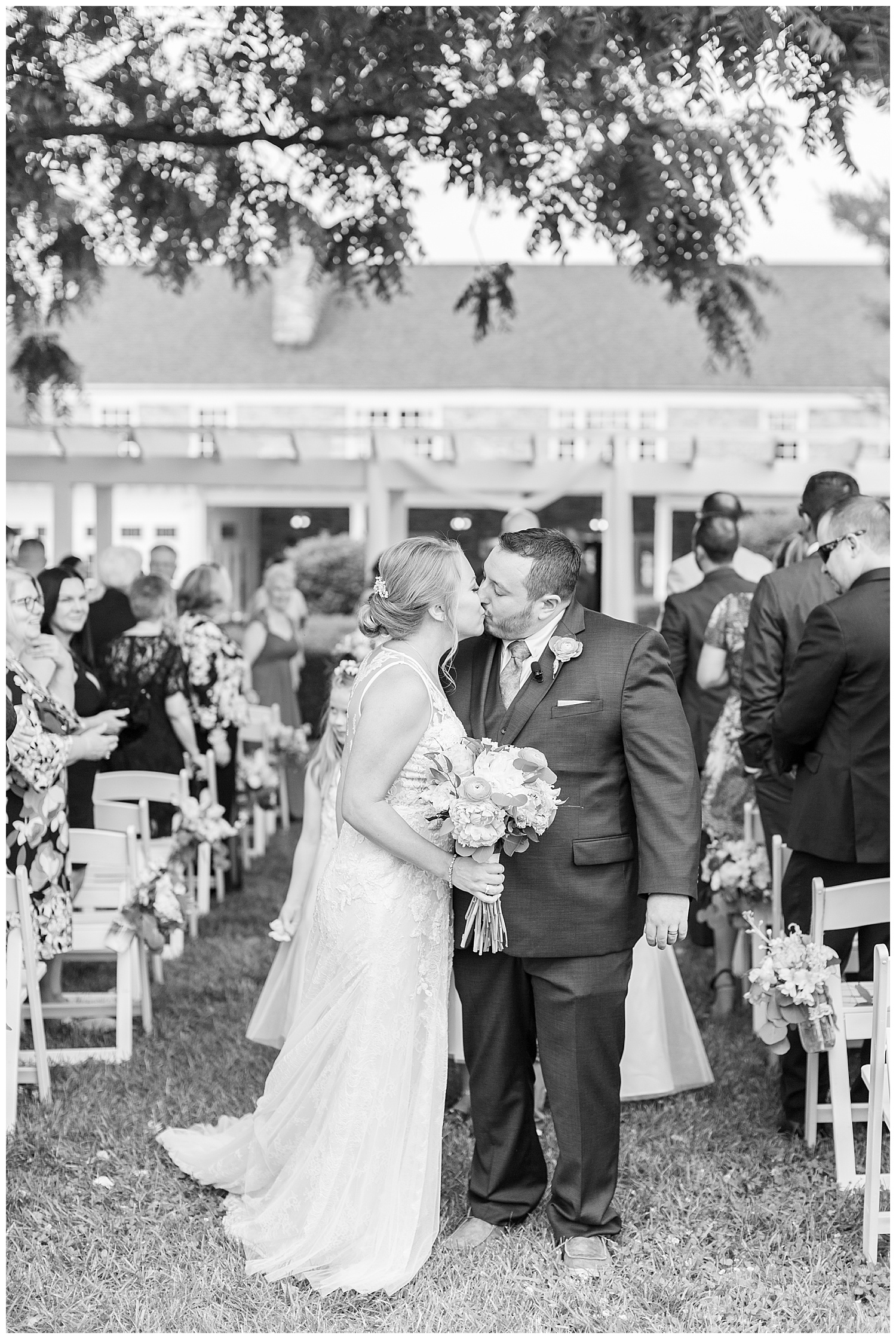 stone-manor-country-club-wedding-emily-belson-photography-78.jpg
