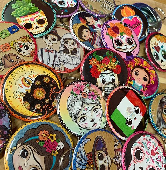 Keychains have been restocked. 🔸Link in Bio🔸 #thehappyskullstudio . . . . #happyart #keychain #accessories #dayofthedead #diadelosmuertos #frida #calavera #kitty #catsofinstagram #sacredheart #eclipse #sunandmoon #molcajete #sugarskull #bonita #llavero #handmadeisbetter #hippie #moon#latina