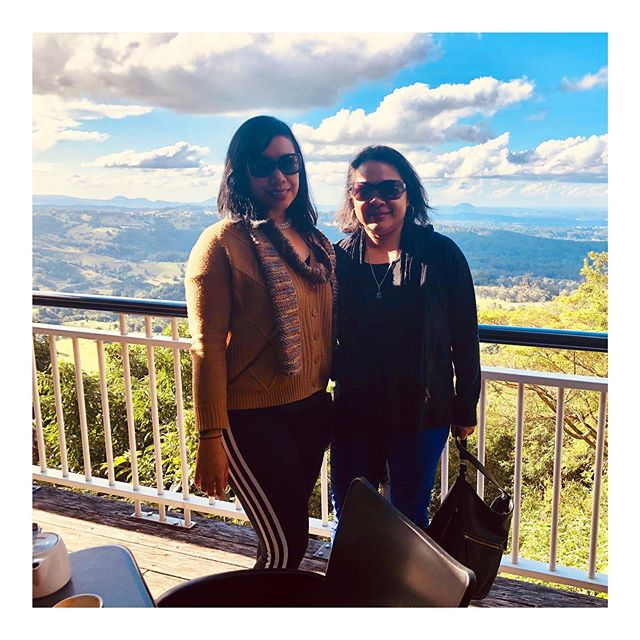 A couple of hours with my cousin is sometimes all that's needed to give me a boost. . We had a beautiful lunch in the Sunshine Coast Hinterlands with this as our view 🌹