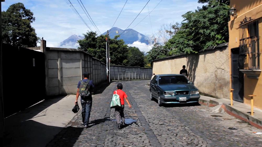 ParqueCentralStill_03_L_Miguel_R_Hugo.jpg