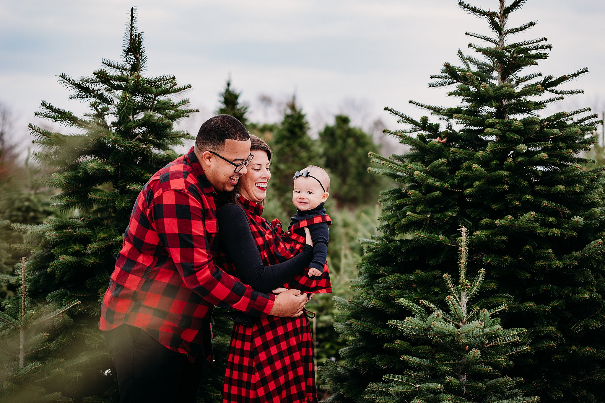 Christmas Tree Farm Photography near Philadelphia_ desiree hoelzle photography_0004.jpg