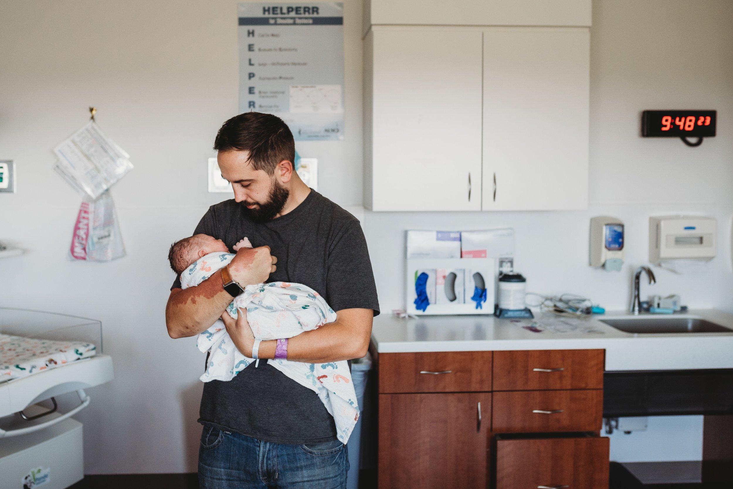 Birth photographer Philadelphia _ Desiree Hoelzle Photography