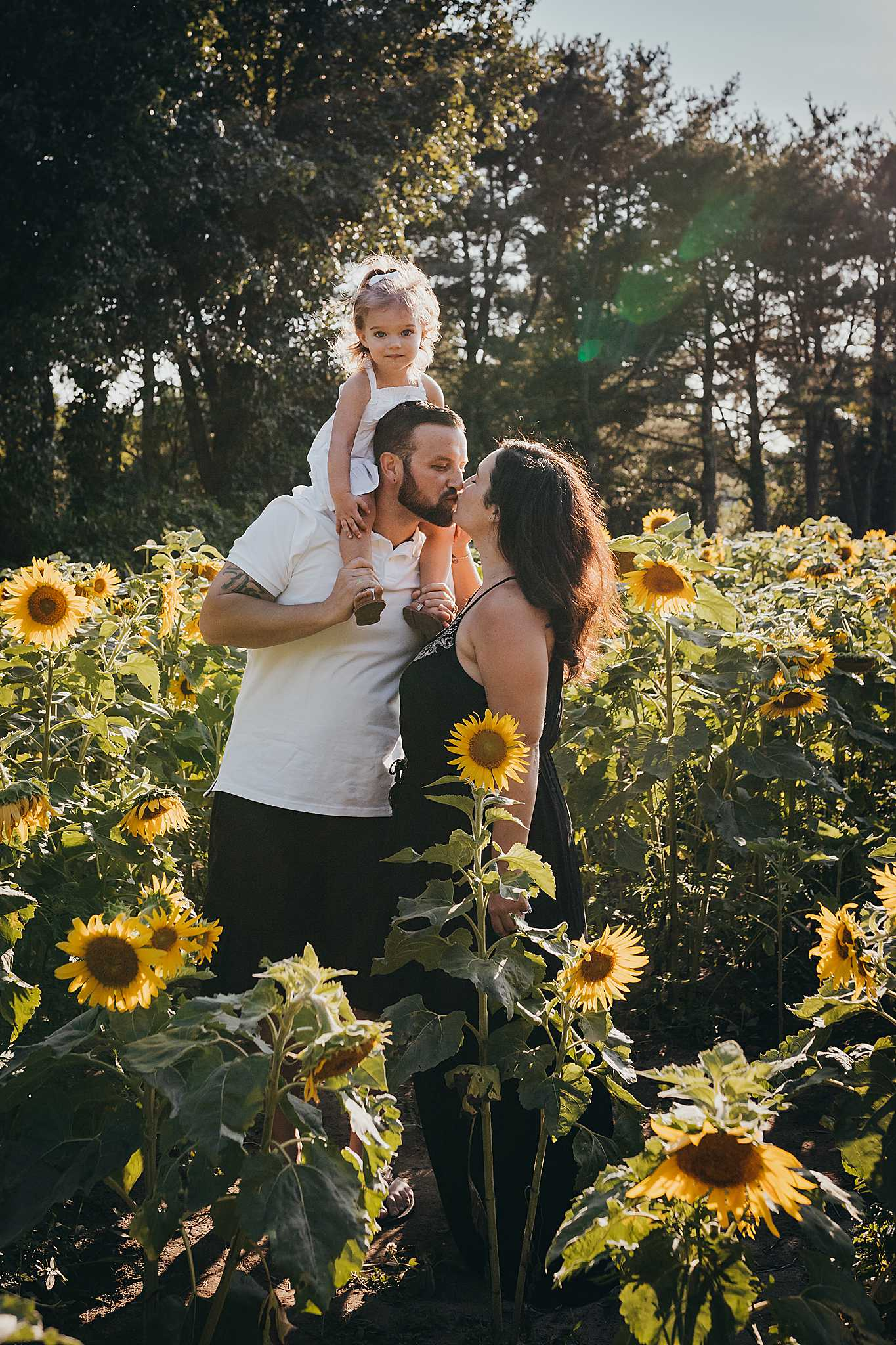 New Jersey Sunflower Field Mini Sessions Photography _ Desiree Hoelzle Photography