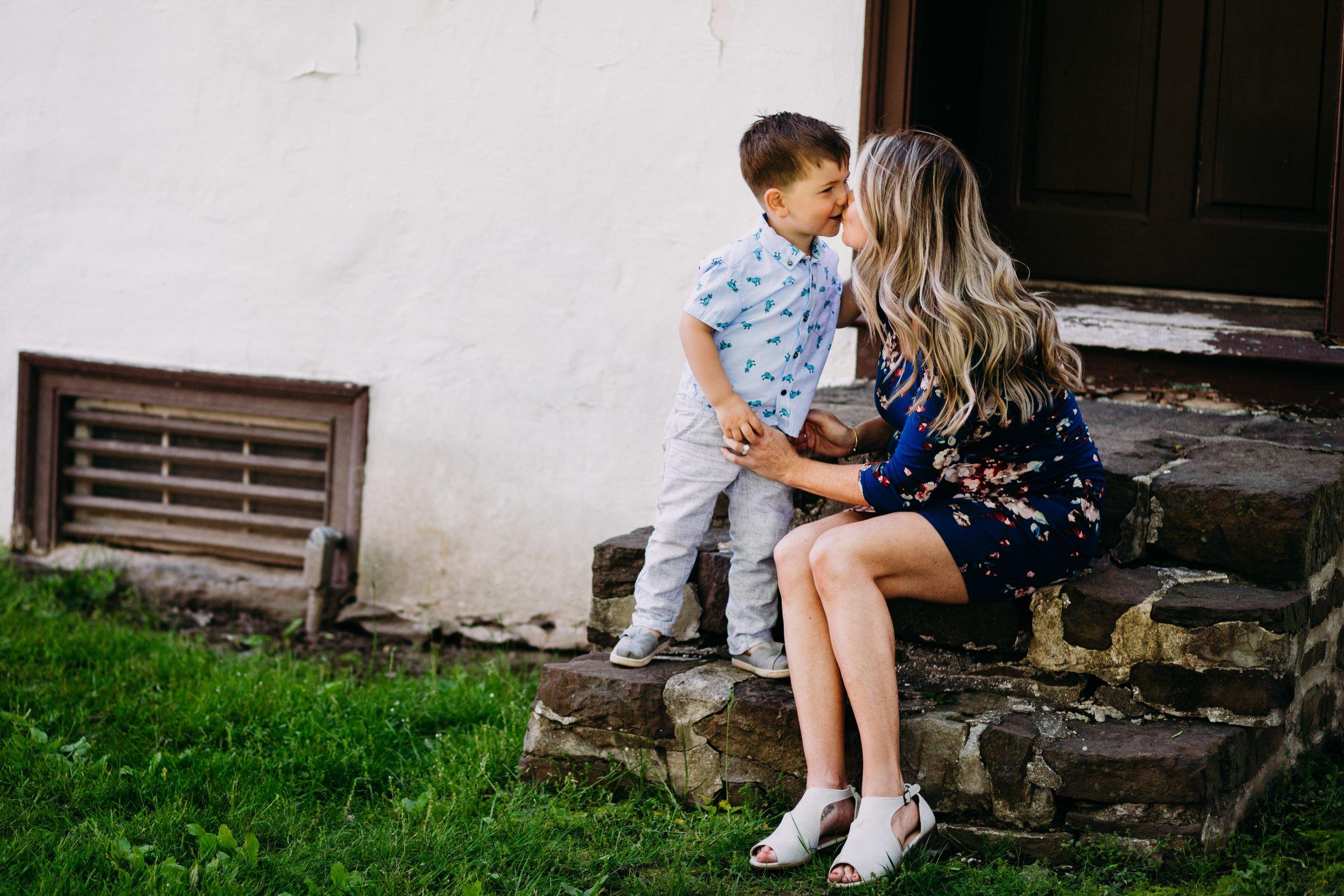 Lifestyle Maternity Photographers _ Desiree Hoelzle Photography