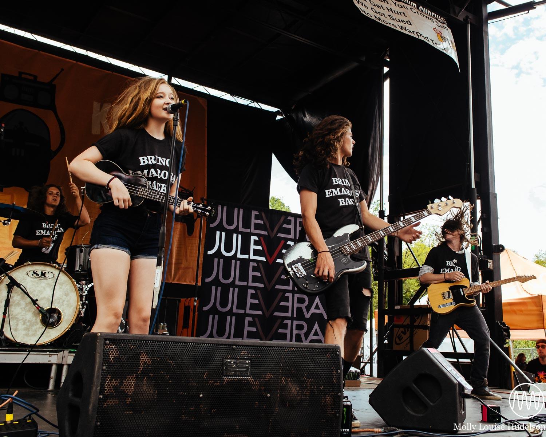Jule Vera / 7/21/15 / Vans Warped Tour / Scranton, PA