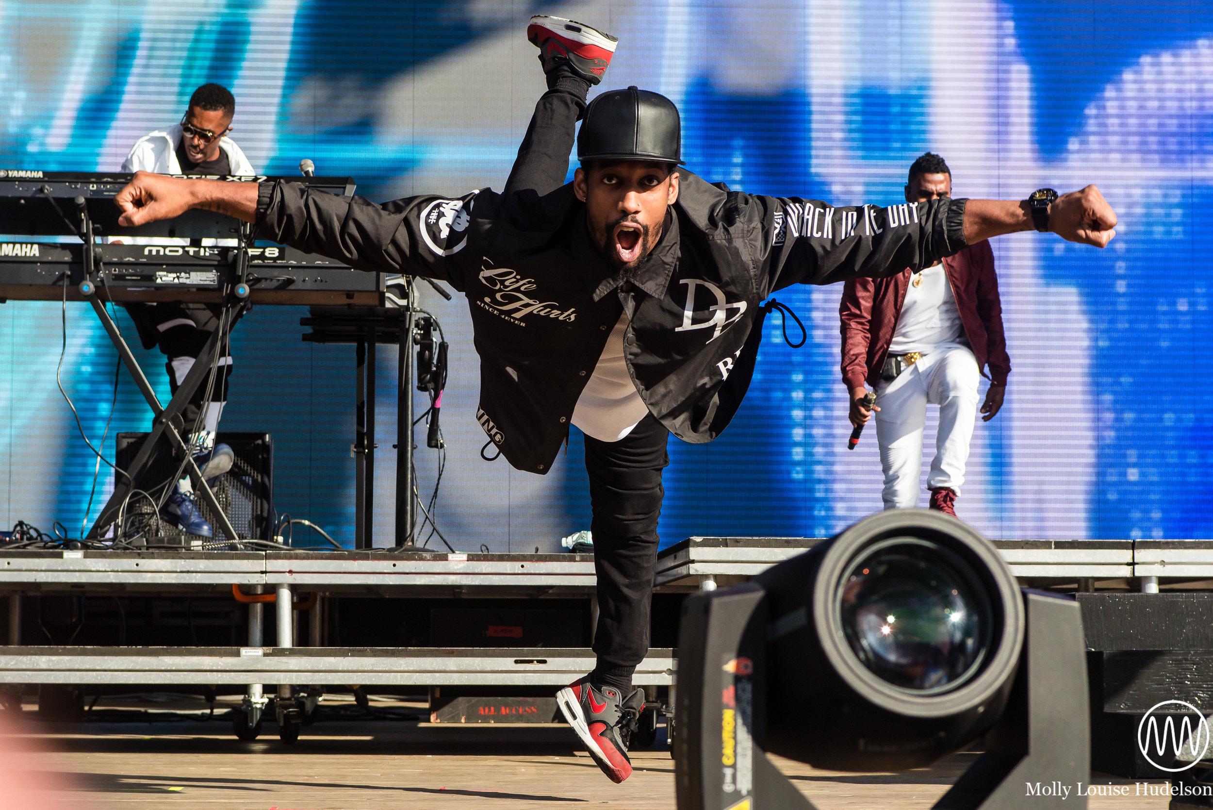 Valentine Norton with Jason Derulo / 8/22/15 / Billboard Hot 100 Festival / Wantagh, NY