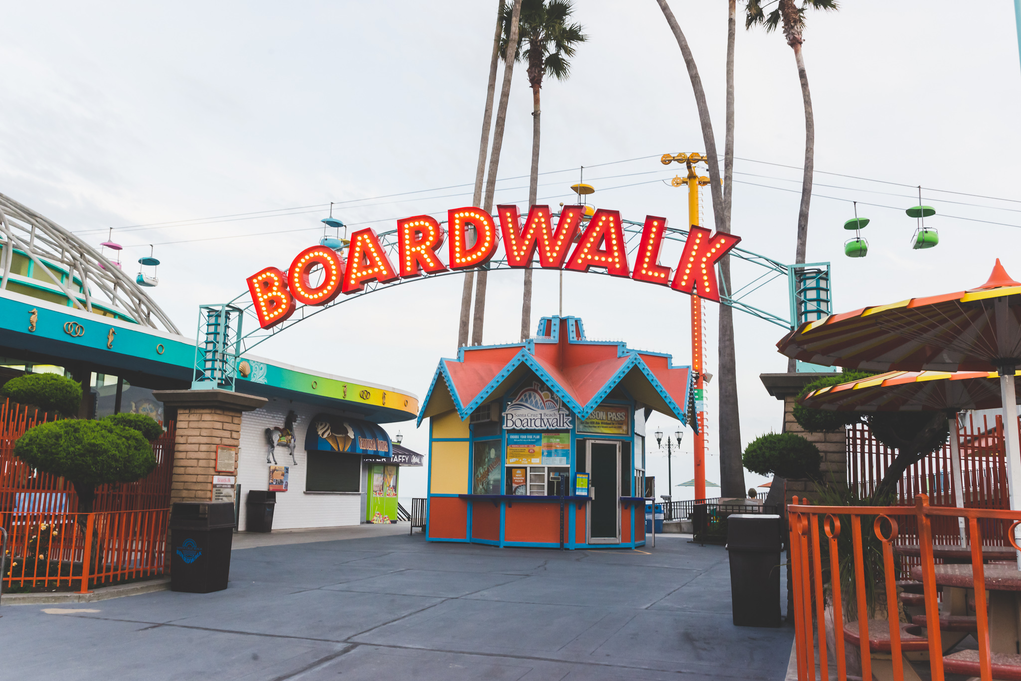 Walking up to the Boardwalk. / 5/3/16 / Santa Cruz, CA