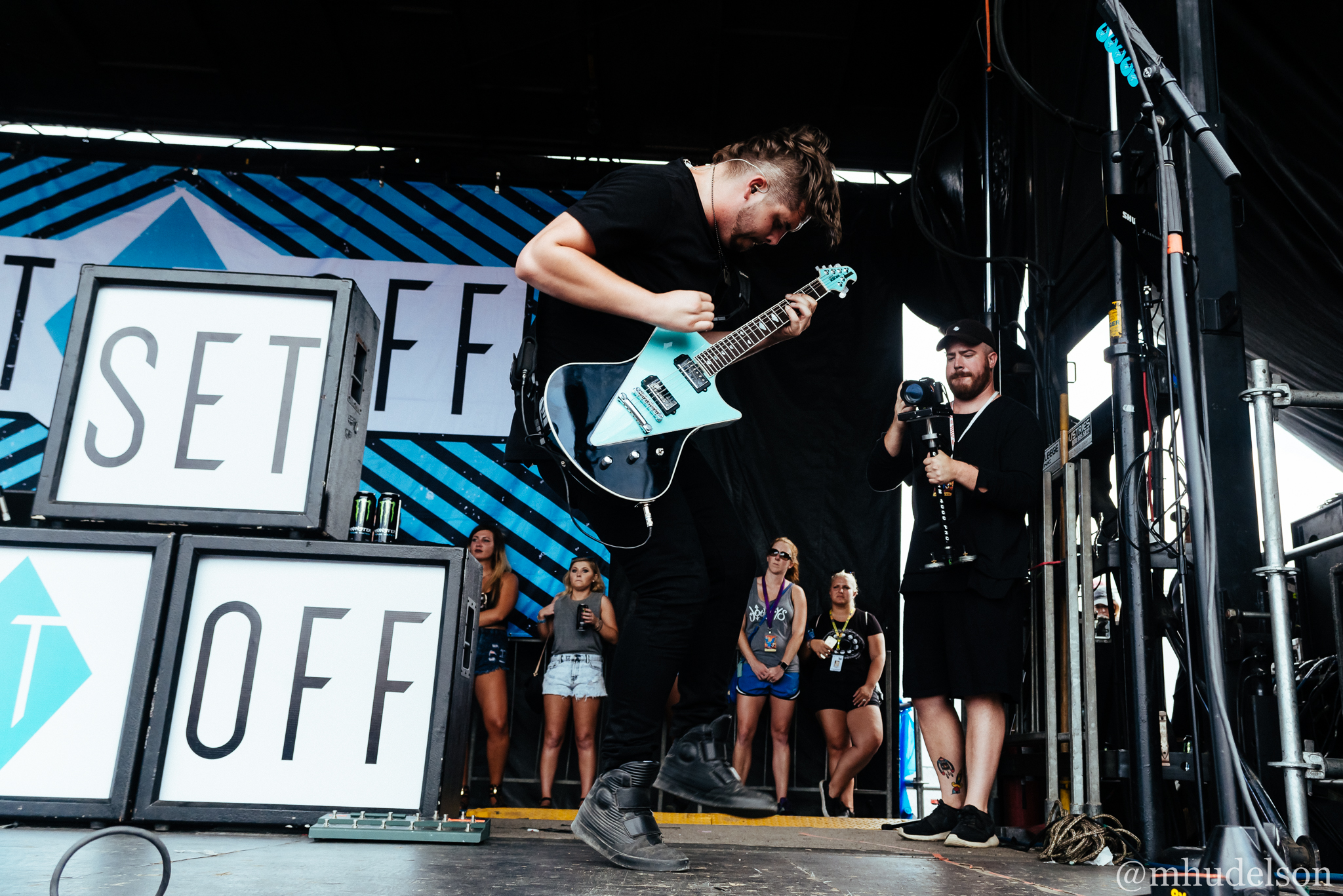 Set It Off / 7/19/16 / Vans Warped Tour / Noblesville, IN