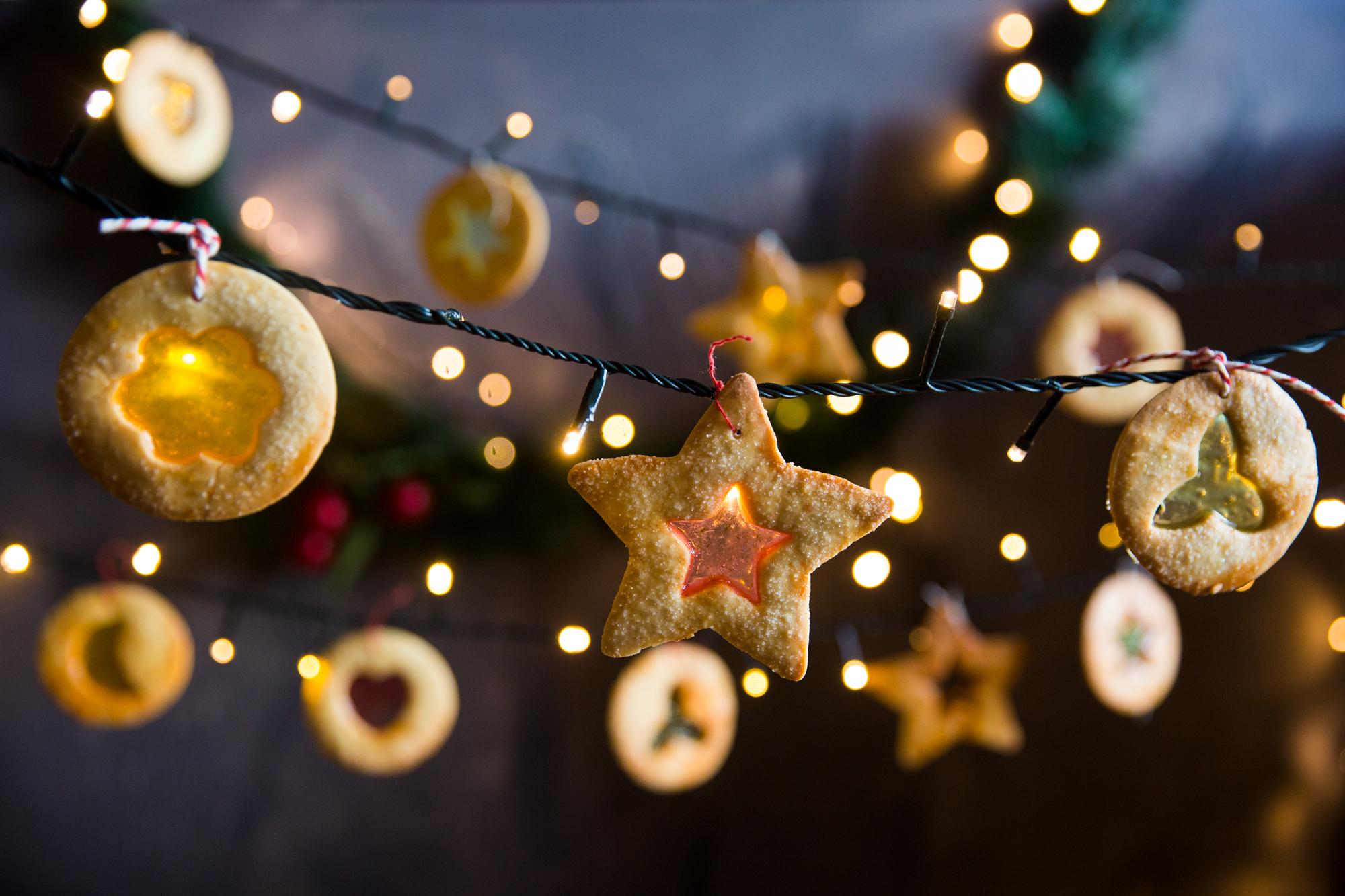 Christmas light cookies.  For News.com.au, December 2016.