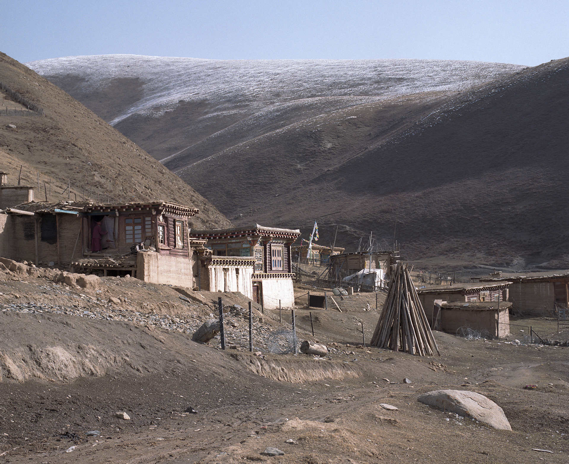 2010, on the plateau - a mountain farm along the road to Ya Chi monastery.