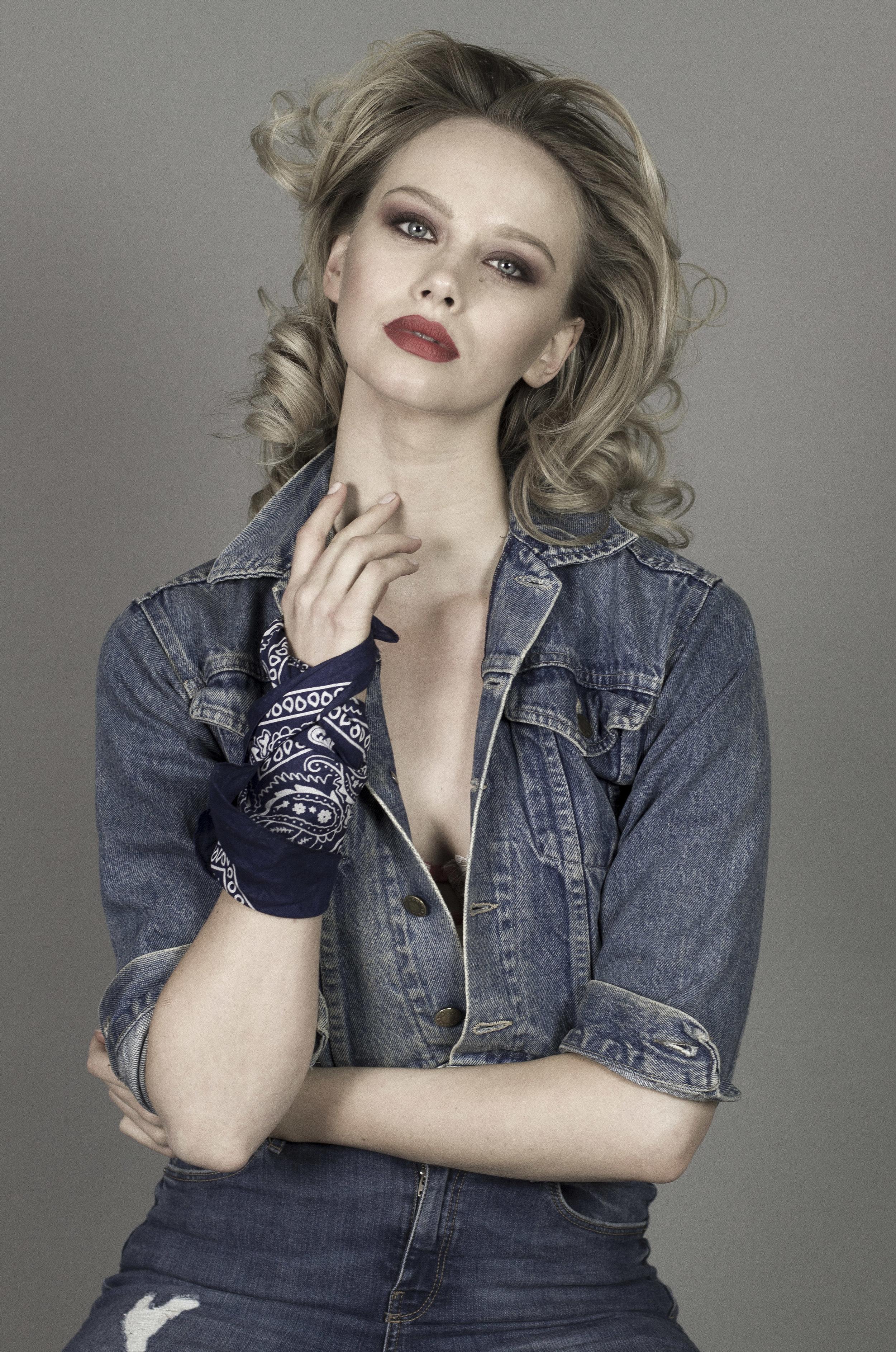 Jasmine Clark by Cesar Perin f.jpg