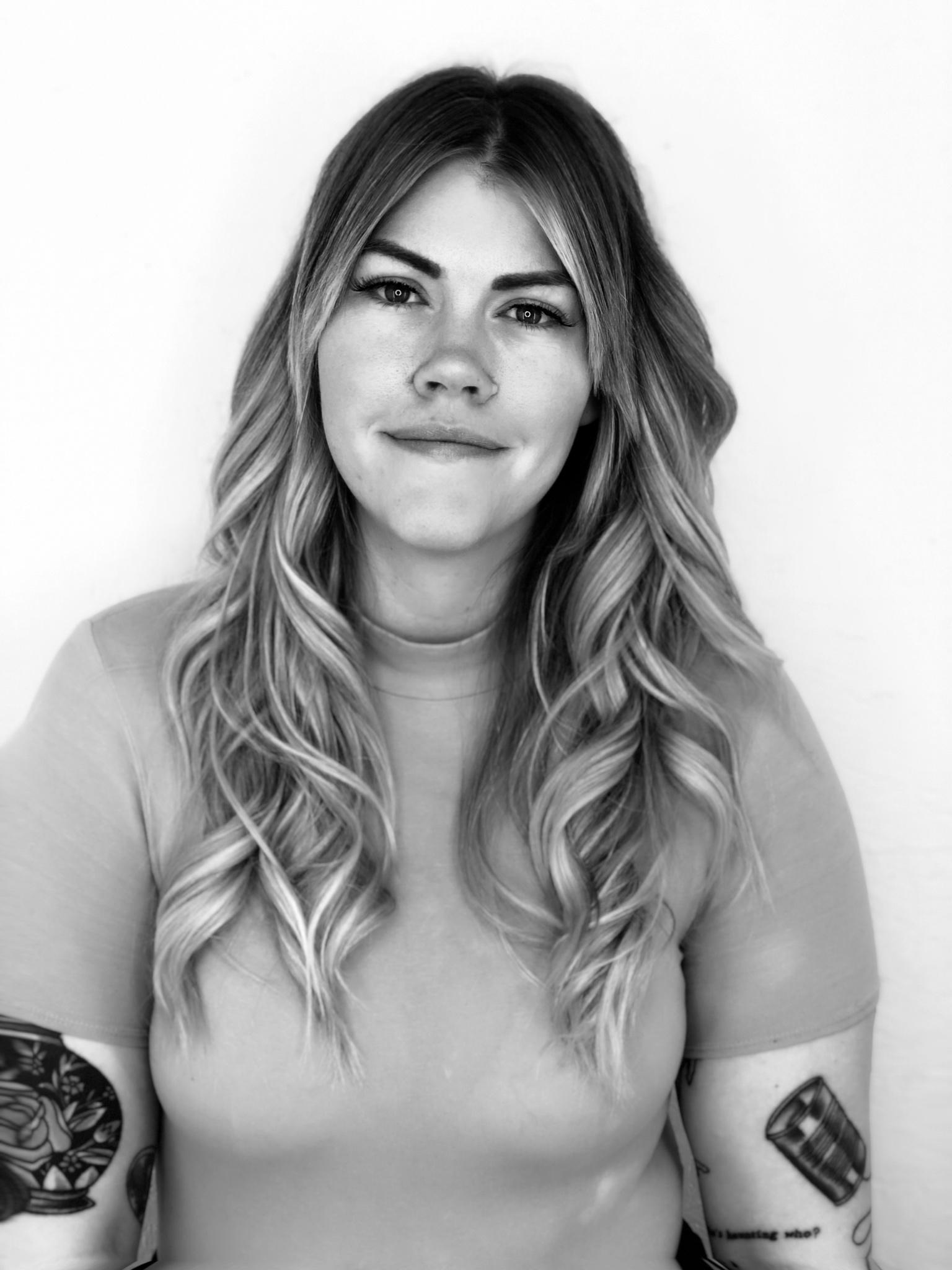 SARA SCHOONOVER - STYLIST    CLICK PHOTO TO BOOK