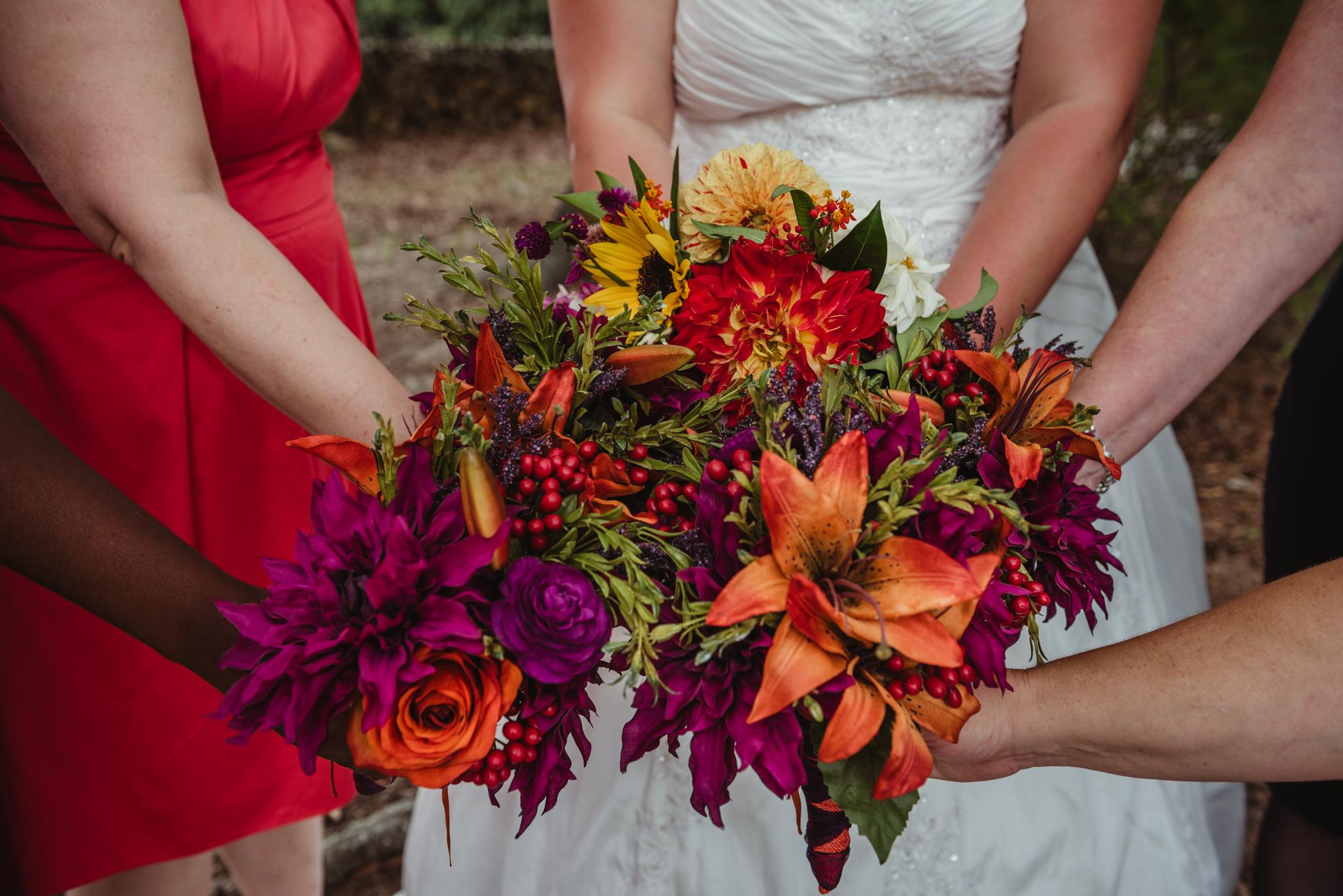 raleigh-wedding-bouquet-bridesmaids-portraits-cd.jpg