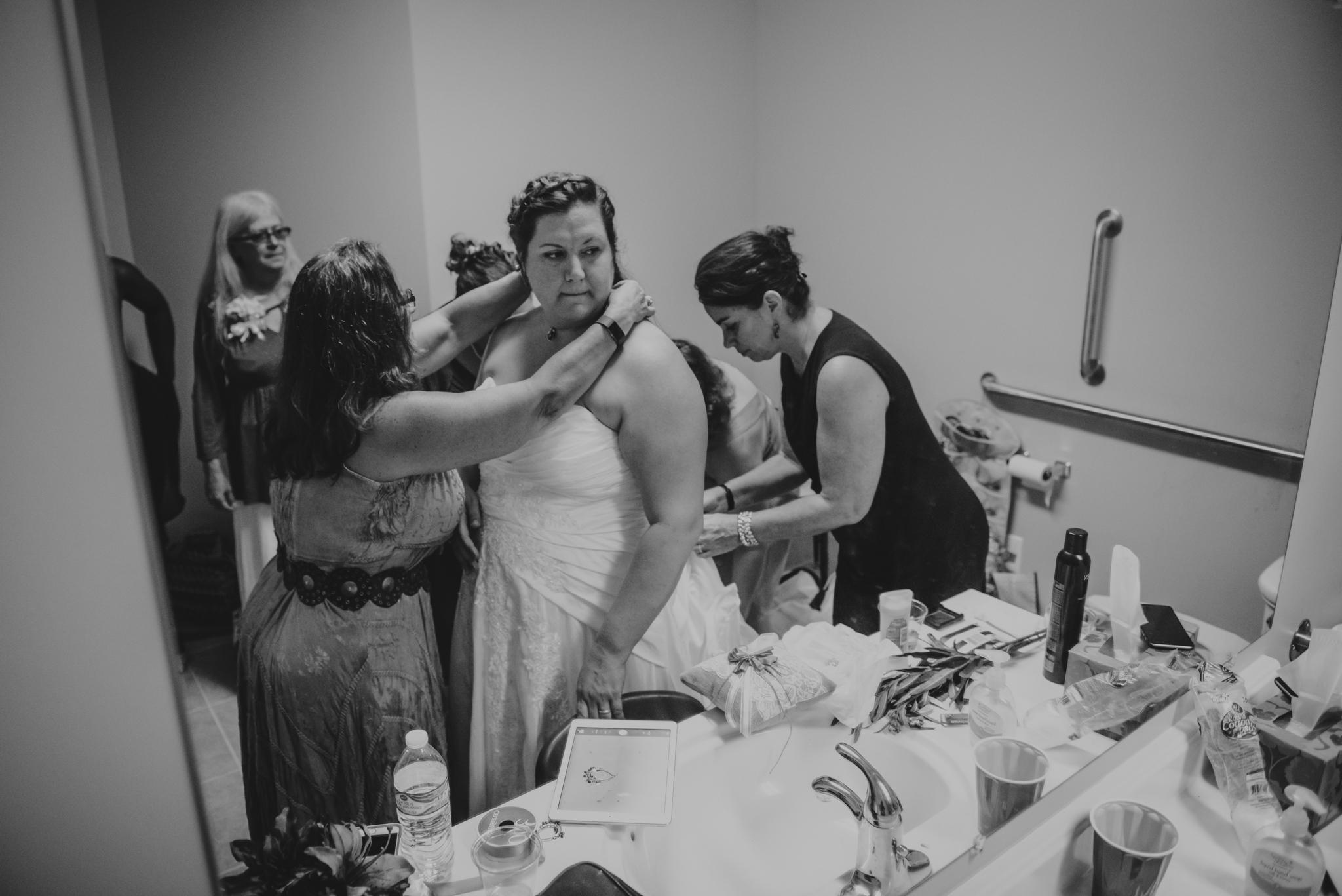 raleigh-wedding-bride-getting-ready-cd-2.jpg