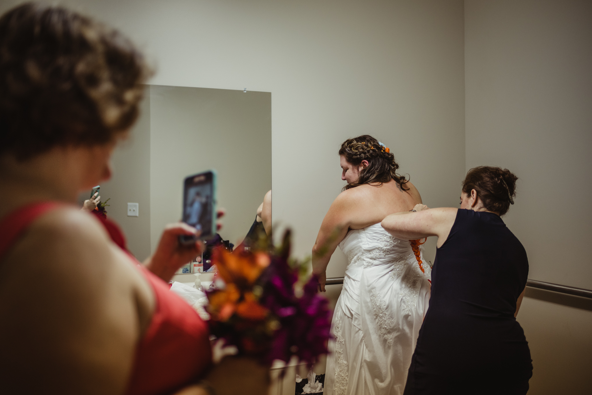 raleigh-wedding-bride-getting-ready-cd.jpg