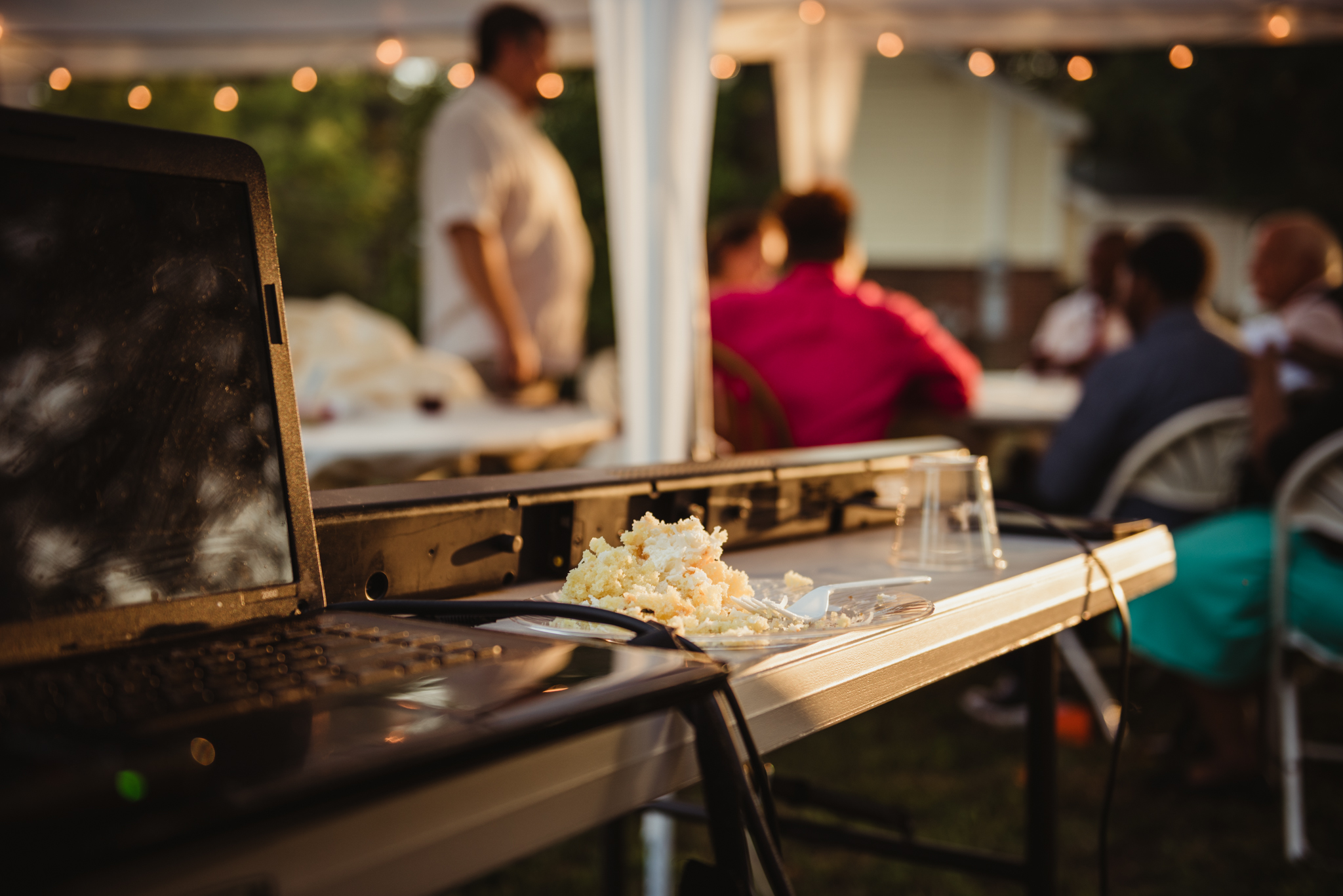 raleigh-wedding-outdoor-reception-cake-cd.jpg