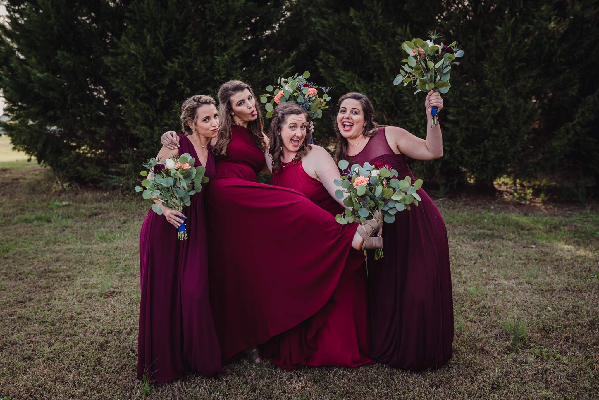 a-funny-picture-of-the-bridesmaids.jpg