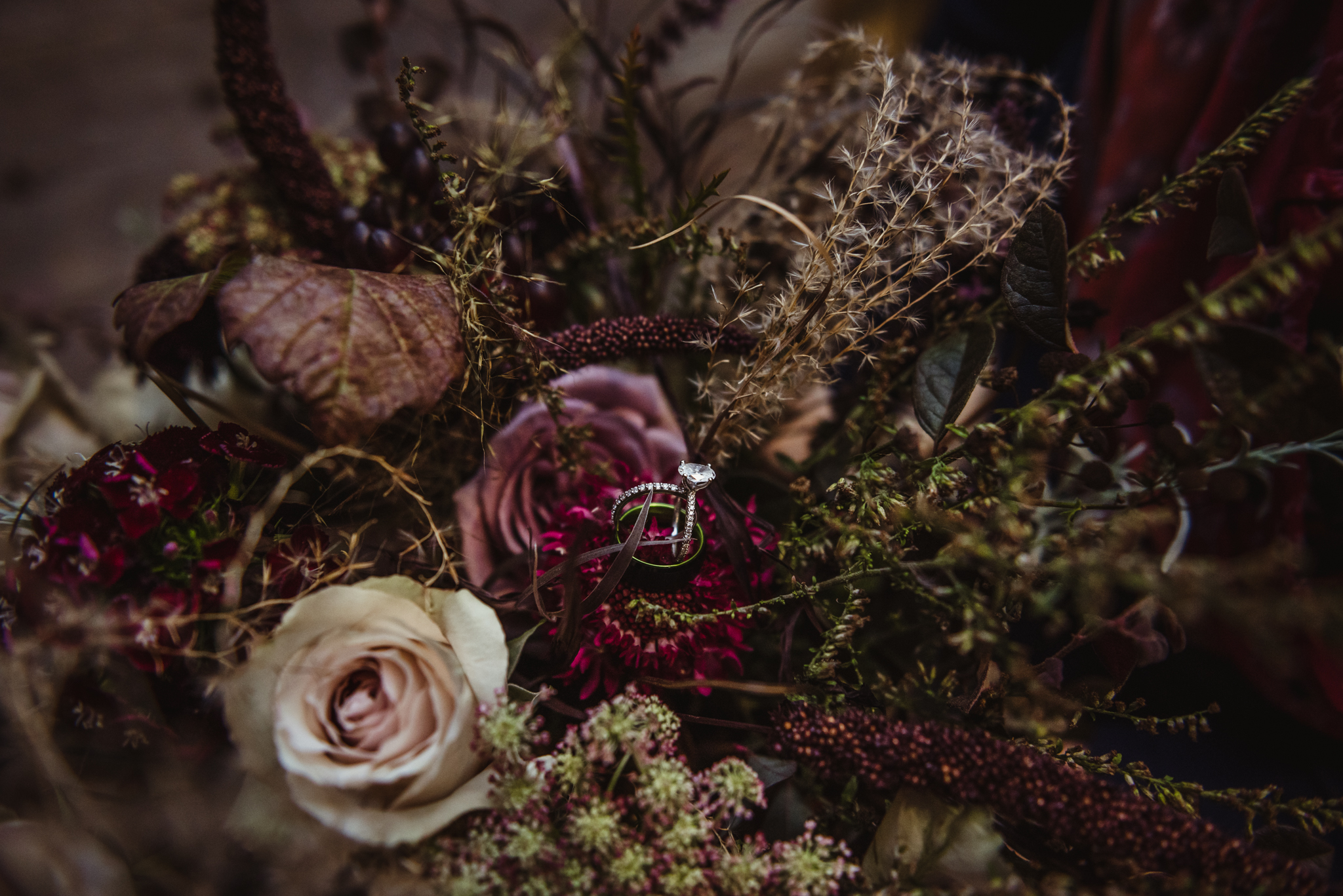 more-wedding-rings-in-the-foraged-fall-bridal-bouquet..jpg