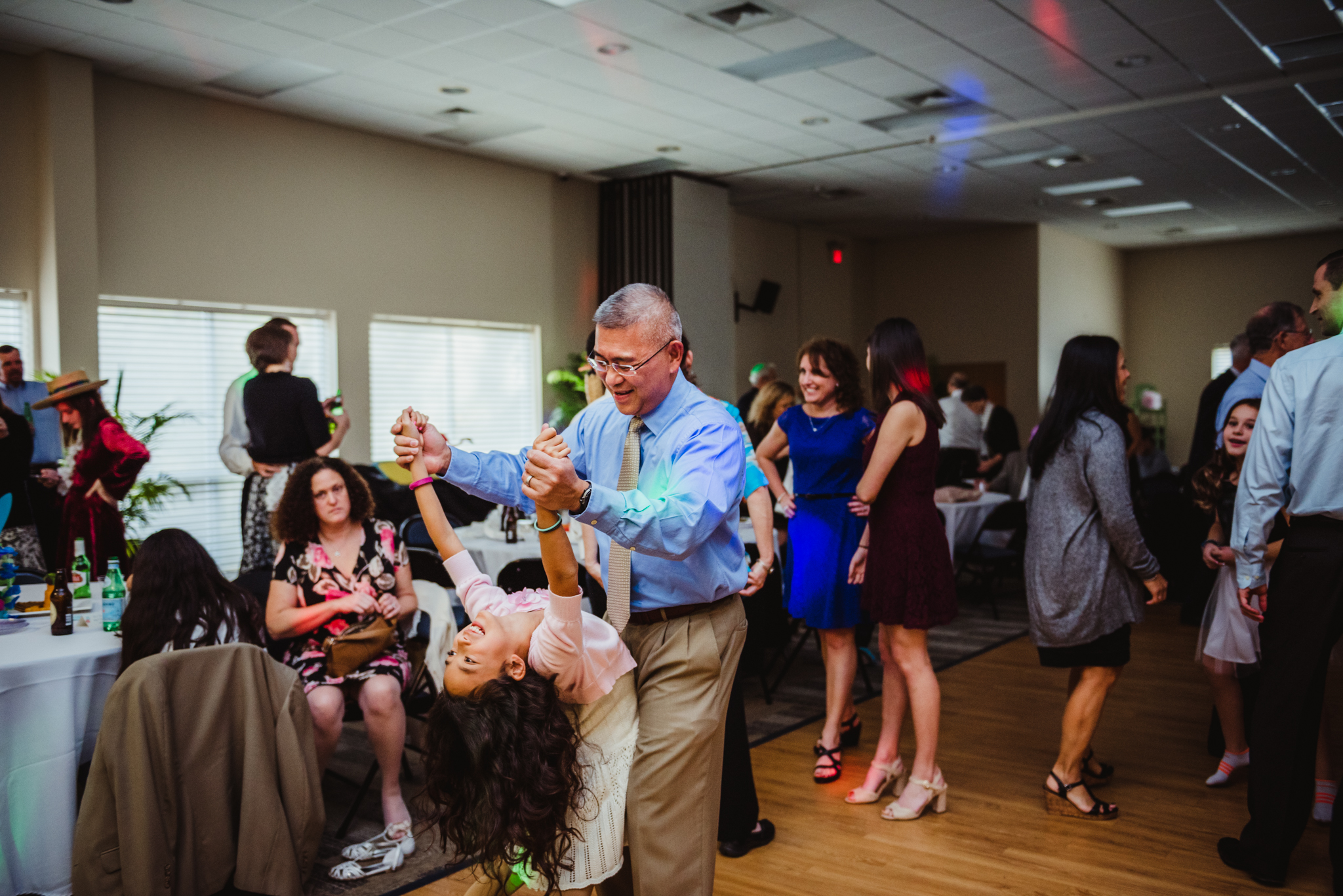 daddy-daughter-dancing-at-the-Mitzvah-celebration.jpg