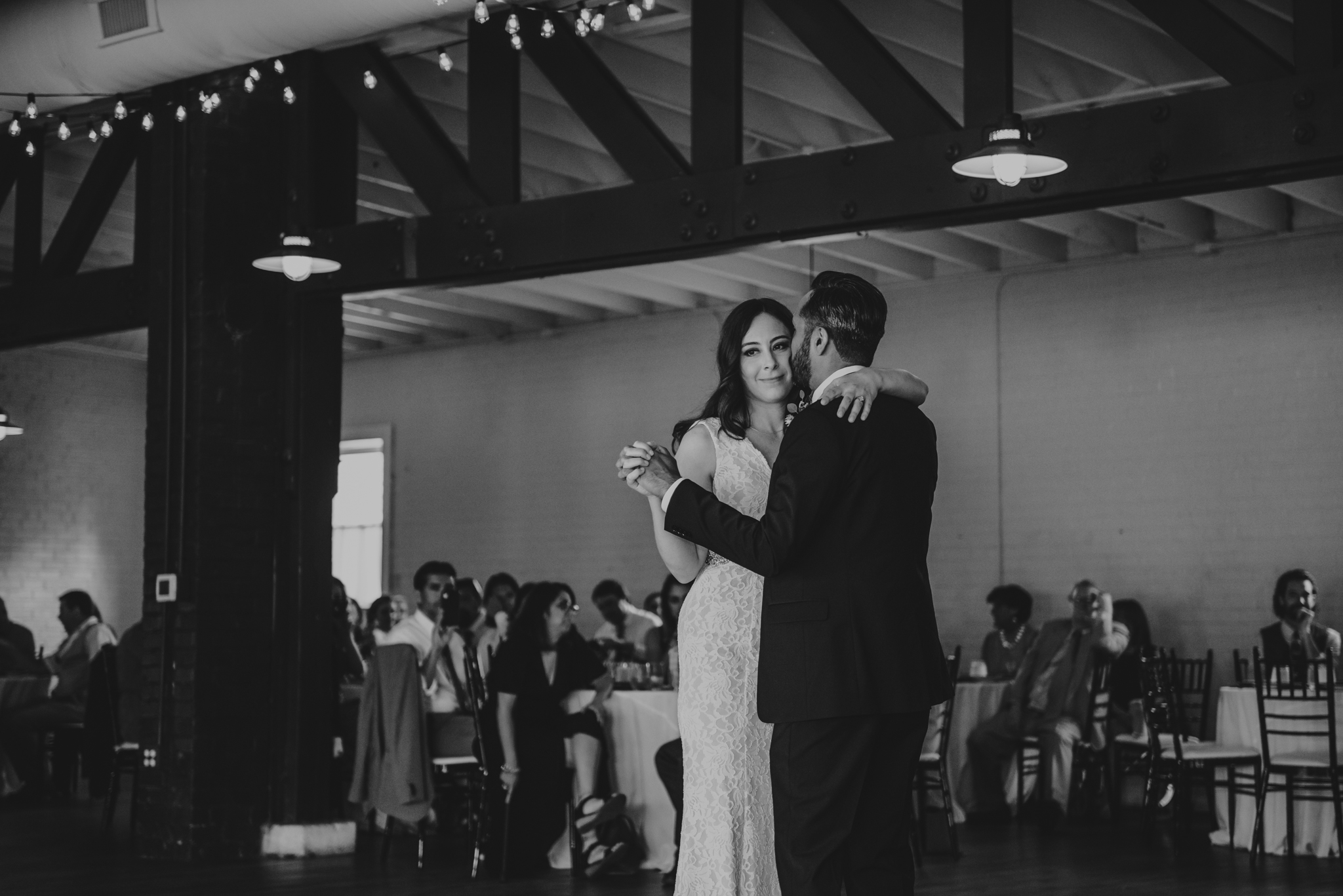 Raleigh-wedding-photographer-first-dance-traine-rose-trail-images.jpg