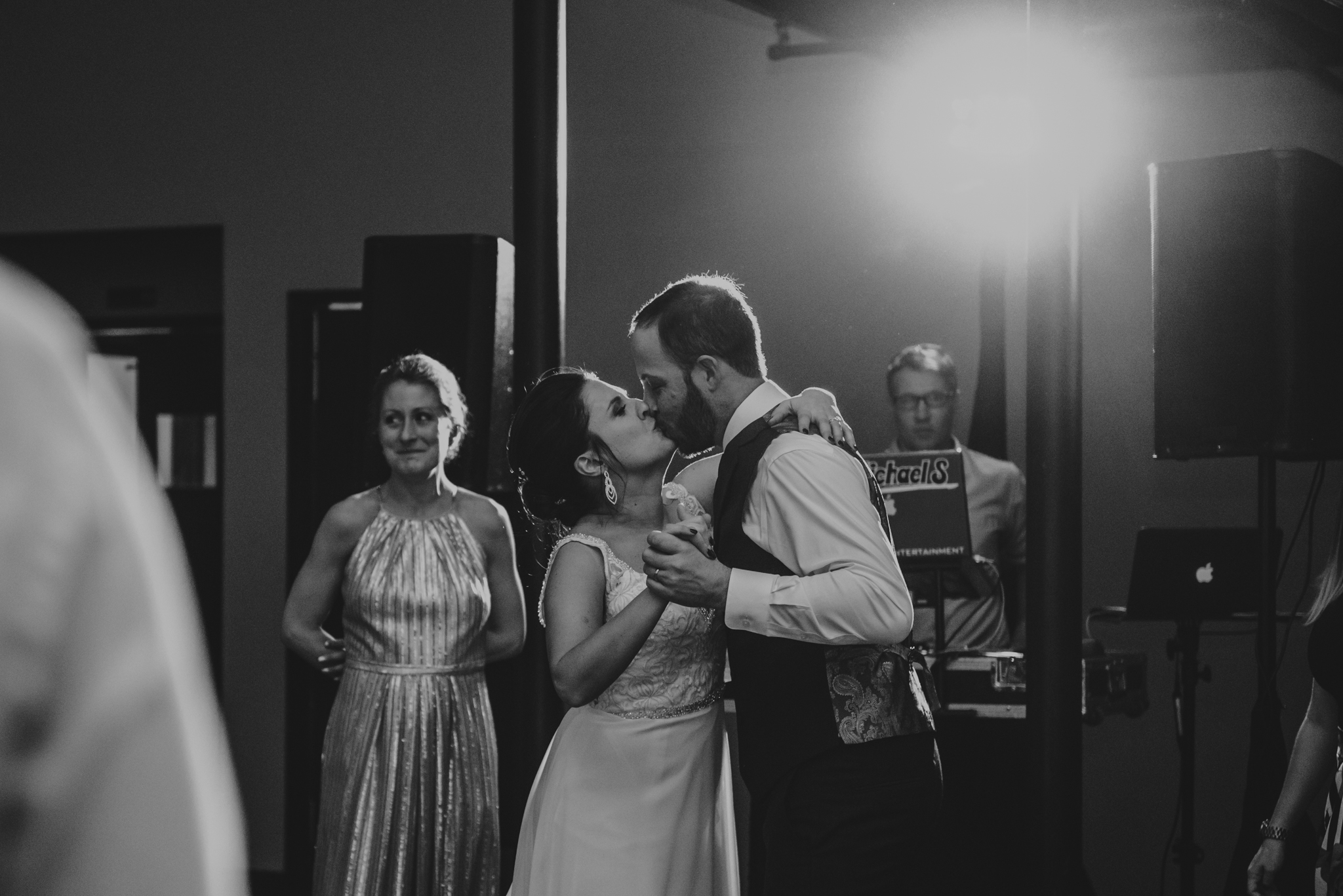 Raleigh-wedding-photographer-bride-and-groom-last-dance-market-hall-rose-trail-images.jpg